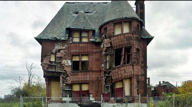An abandoned home in Detroit. (Yves Marchand and Romain Meffre)